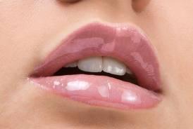 sexy_full_lips.jpg